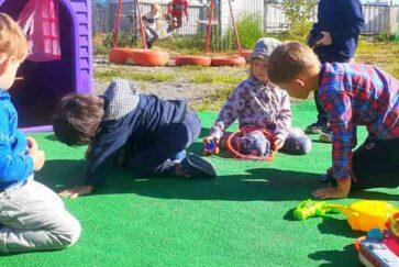 Монтессори сад - на детской площадке садика